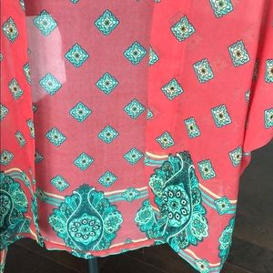 Francesca's Collections Tops - Colorful coral kimono